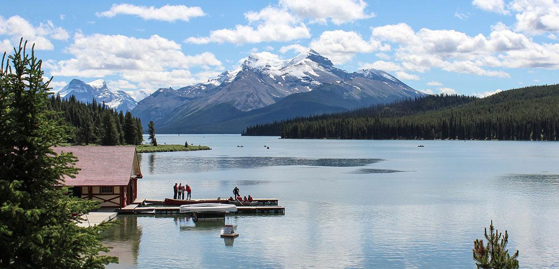 Maligne Lake in Jasper, Alberta, Canada