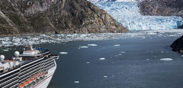 Glacier viewing on the Carnival Miracle
