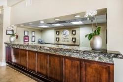 Comfort Suites Paradise Island front desk