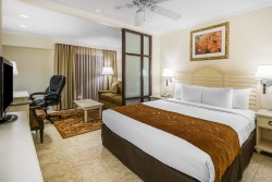Comfort Suites Paradise Island junior suite with king bed
