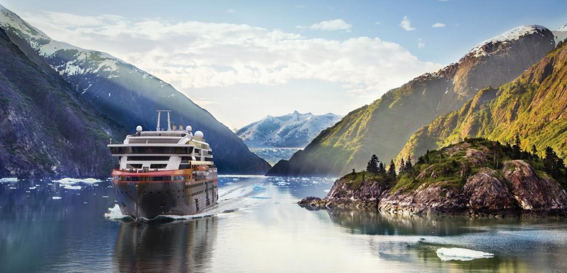 MS Roald Amundsen in Alaska